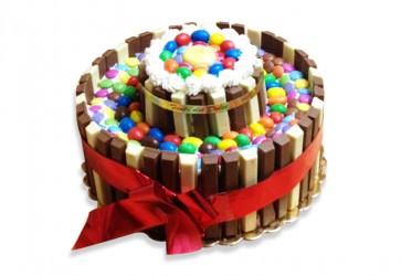Torta kit kat & smarties